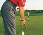 Proper_Hand_Position_for_Putting